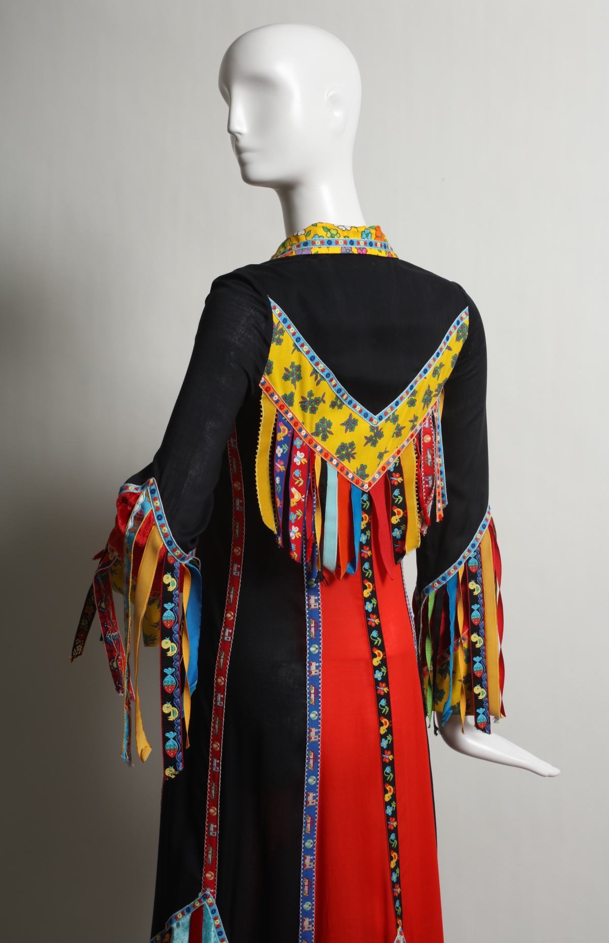 Day dress by Giorgio di Sant' Angelo, 1969.  UNT Texas Fashion Collection, Gift
